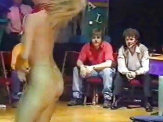 Giovane Bianca in sesso anale gratuito bella lingerie succhiare il cazzo
